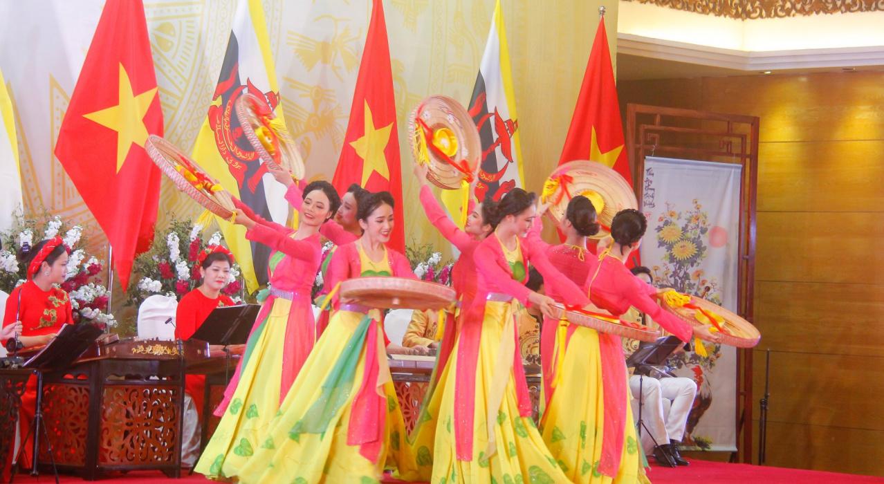 Chủ tịch nước Nguyễn Phú Trọng tiếp Quốc vương Brunei Hassanal Bolkiah