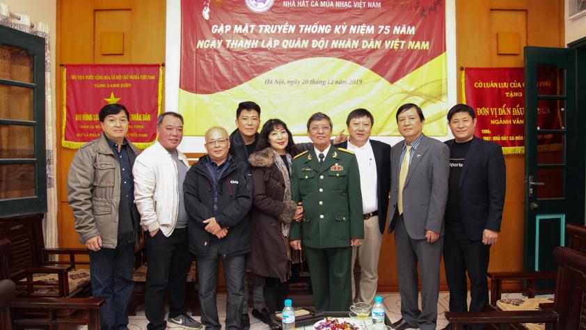 Buổi gặp mặt truyền thống kỷ niệm 75 năm ngày thành lập quân đội nhân dân Việt Nam